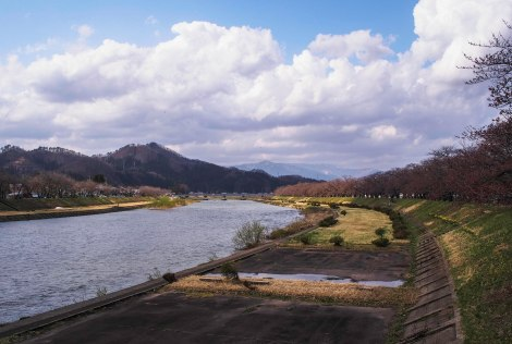river along kakunodate