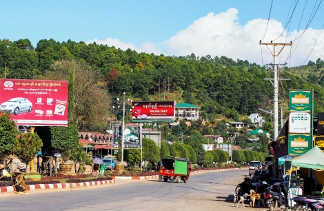 the highway and only way in kalaw