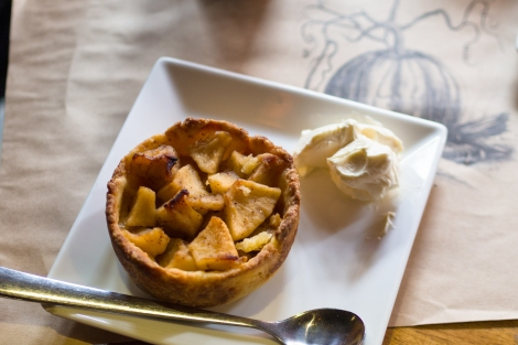 apple pie at hill station deli