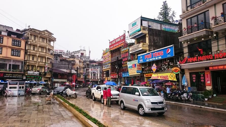 main street in sapa